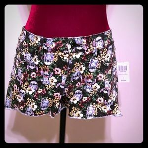 Disney stitch floral Hawaiian themed shorts.